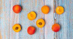 Ganz schön nice! Aprikosen wecken jetzt die Sommerlaune mit gesunder Eiscreme