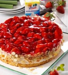 Erdbeer-Quark-Torte-220x307.jpg