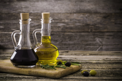 Essig (Oliven und Balsamico)