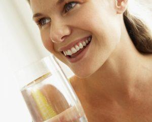 Forum-Trinkwasser_Trinkwasser-immer-beliebter_iStockphoto.jpg