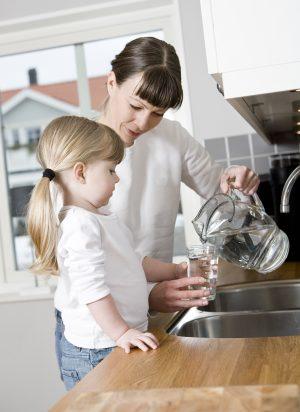 Unser Trinkwasser - ein wertvolles Lebensmittel. ForumTrinkwasser/(c)gemenacom; Fotolia