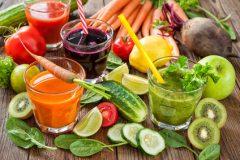 Frühstück mit Obst und Gemüse