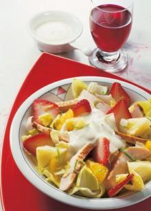 Geflügelsalat-mit-Erdbeeren-220x307.jpg