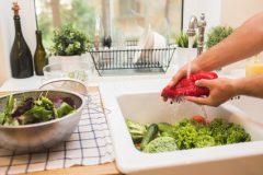 Obst und Gemüse richtig waschen