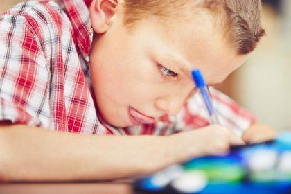 Schon vor der Geburt bis zu der Pubertät: Heranwachsende benötigen Jod für eine gesunde geistige Entwicklung
