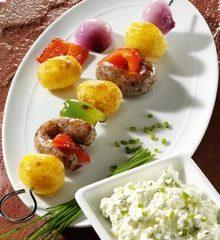 Kartoffelspiesse-m-Bratwurst.jpg