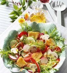 Knackiger-Sommersalat.jpg