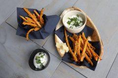 Knoblauch-Karotten-Sticks mit Parmesankruste