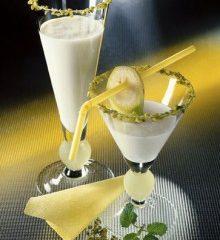 Lactosefreier-Bananen-Drink-220x307.jpg