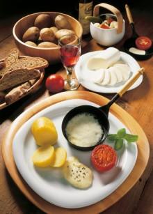 Mozzarella-Raclette-220x307.jpg