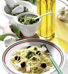 Pasta-mit-PestoFetaOliven-220x307.jpg