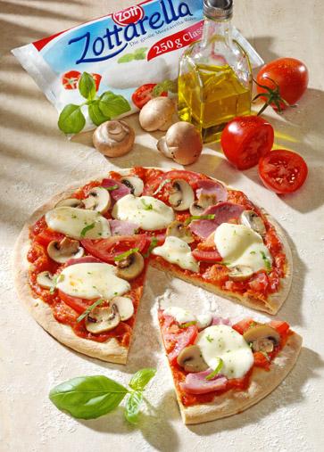 Pizza mit Schinken+Pilzen