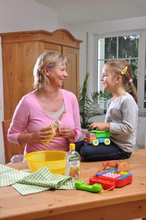 Essig-Essenz ist ein natürliches Mittel zur Flächendesinfektion