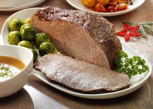 Rinderbraten mit Rosenkohl und Kartoffelgratin