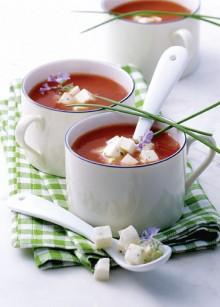 Tomaten-Zottarella-Sueppchen