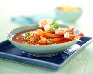 Tomatensuppe Asia-Style mit Garnelen-Saté