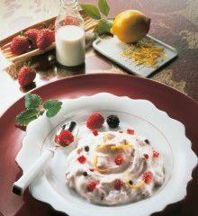 Vanille-Quark-mit-Erdbeeren-220x307.jpg