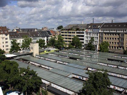 Blick auf den Carlsplatz in Düsseldorf.