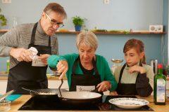 """Projektstart """"Die Küchenpartie mit peb"""", das IN FORM Projekt zur Ernährungskompetenz für Jung und Alt"""