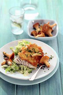 Seelachsfilet mit Senf-Kartoffelkruste auf Rahmwirsing