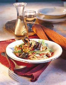 Spaghetti mit Muschel-Tomatensauce