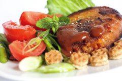 Vegetarische Bratlinge: mit Getreide und viel frischem Gemüse