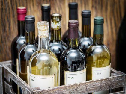 Weinautomat: Flavura Weinautomaten für Wein aus dem Automaten: Verkaufsautomaten und Warenautomaten