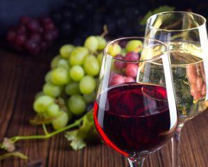 Vending Automaten: Verkauf von alkoholischen Getränken mit Getränkeautomaten, Weinautomaten, Verkaufsautomaten & Warenautomaten